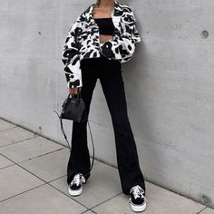 Animal Print Jacket Women White Black Coat Short Long Sleeve Button Pockets Crop Jacket Source by sirapereira and white outfits Mode Outfits, Fashion Outfits, Fashion Belts, Mode Instagram, Adidas Instagram, Baggy Pants, Long Pants, Denim Shorts, Trousers