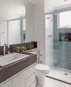 39 Ideas Bathroom Kids Color Bathtubs For 2019 Bathroom Paint Colors, Bathroom Interior, Small Bathroom, Bathrooms Remodel, Color Bathtub, Bathroom Decor, Trendy Bathroom, Bathroom Design Small, Bathroom Layout