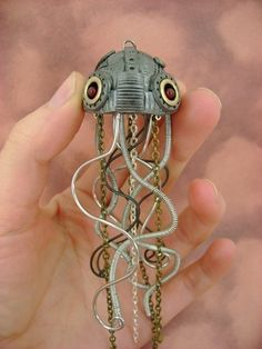 Dark Aquatic Mechanical Jellyfish by monsterkookies  It can pass for an octopus, right?