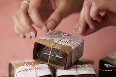 Bake Sale Packaging, Brownie Packaging, Baking Packaging, Dessert Packaging, Food Packaging Design, Box Brownies, Chewy Brownies, Caramel Brownies, Homemade Brownies