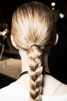 Proenza Schouler Spring 2016 Ready-to-Wear Fashion Show Beauty No Heat Hairstyles, Braided Hairstyles, Cool Hairstyles, Beauty Makeover, Makeover Tips, Show Beauty, Hair Game, Good Hair Day, Hair Inspiration