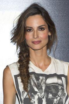 Trenza espiga semi Ariadne Artiles: 20 peinados con glamour | Galería de fotos 3 de 18 | Glamour