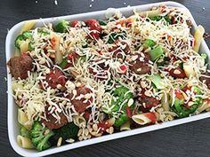 Deze ovenschotel met pasta, gehaktballetjes en broccoli valt bij (bijna) iedereen in de smaak
