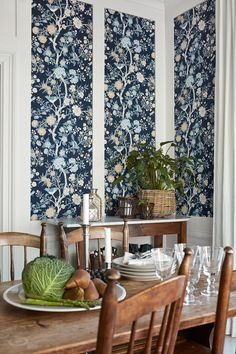 A piece of New England on walls around the world - Boråstapeter launches a wallpaper collection with Lexington Company www.scandinavianwallpaper.com