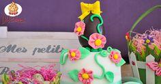 Torta decorata con uovo di Pasqua