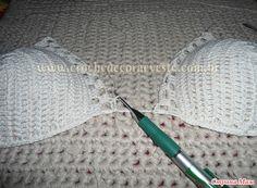 Девочки, вот нашла подробнейший пошаговый МК вязания такого топа. Я бы его использовала, как лиф к сарафану или тунике.