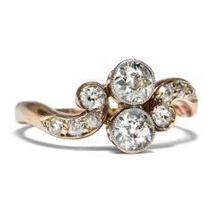 Symbole der Liebe - Antiker Ring aus Gold & Platin besetzt mit 0,90 ct Diamanten, um 1900 von Hofer Antikschmuck aus Berlin // #hoferantikschmuck #antik #schmuck #antique #jewellery #jewelry