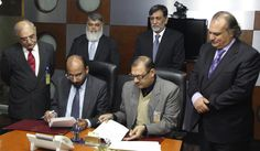 Congratulations to PTCL on signing an agreement to provide ICT solutions to Bahria Town all over Pakistan. The strategic partnership shall enable residents of Bahria Town to experience the state-of-the-art telecommunications services of PTCL including Voice Telephony, Broadband Internet, Smart TV as well as EVO Wireless Broadband internet services. Good luck to both on this endeavor.