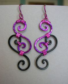 I've been thinking of ways to re-use spiral metal gauges that are too small ...this is a clever