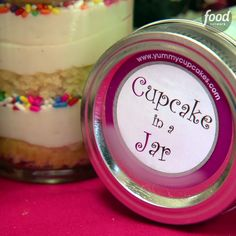 Did you know some of the first cupcakes were made in teacups? That being said, you have to try these Cupcakes in a Jar!