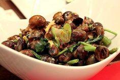 Filipino Foods And Recipes - Pinoy foods at its finest.: Exotic Filipino Food Recipes: Ginataang Suso o Kuhol ( Snail in Coconut Milk)
