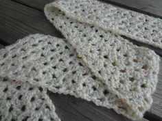 Quick n very easy scarf pattern very much like the one I make all the time, can adj.for  kid size scrafs and baby blankets. No counting once you start on round 2!