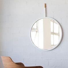 espejo circular   Hang Mirror   Espejo   Omelette-Ed   Circular   Metal   Corcho.