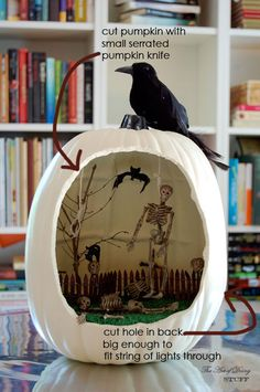 Great Halloween Craft - Pumpkin Diorama. Will have to make this.