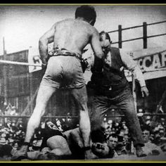 #DidYouKnow: Ancient boxing had fewer rules than the modern sport.#Boxersfought without rounds until one man was knocked out or admitted he had been beaten. Unlike the modern sport there was no rule against hitting an opponent when he was down.#boxing#Everlast #GreatnessIsWithin #trivia #blackandwhite #boxer #boxersofinstagram #boxers #fighters #champs #fight #throwback #throwbackthursday by everlastindia