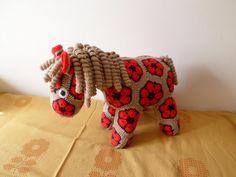 háčkovaný koník