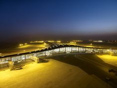 Norman Foster / Beijing International Airport (Terminal 3), Beijing, China, 2004-2008.