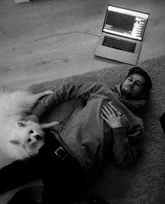 Alan and his dog Happy😍❤ Alan Walker, Walker Art, I Really Love You, My Love, Nothing But The Beat, Walker Join, Best Dj, Dance Music, The Incredibles