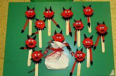 Saint Nicholas, Advent, Christmas Ornaments, Halloween, Holiday Decor, Monsters, Cool Crafts, Crocheting, Dots