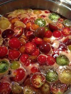 ketchup--not for canning? Cherry Tomato Recipes, Vegetarian Recipes, Healthy Recipes, Healthy Food, Food Spot, Canning Recipes, Ketchup, Cherry Tomatoes, Fruit Salad