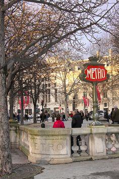 Station de Métro Franklin D. Roosevelt, Paris