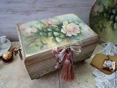 """Корзины, коробы ручной работы. Ярмарка Мастеров - ручная работа. Купить """" Атласные розы """"  короб-шкатулка. Handmade."""