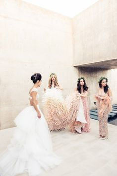 LOVE the bridesmaids... glam!!