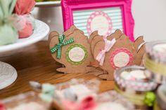 Decoração de Chá de Panela - Bruna e Gustavo - Vida de Casada Gingerbread Cookies, 35, Desserts, Food, Lingerie, Shower Party, Creative Decor, Creativity, Bride Shower