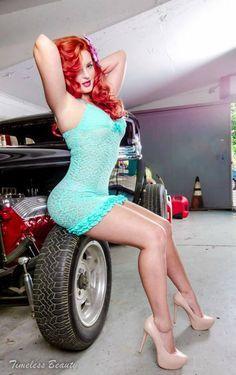 Bo Vixxen: beautiful and sexy red hair pin up