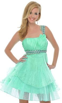 love it especially the color!  i would wear this to prom!