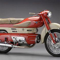 Aermacchi Chimera Antique Motorcycles, American Motorcycles, Cars And Motorcycles, Vespa Motorbike, Motorcycle Art, Vintage Go Karts, Motorised Bike, Custom Bmw, Motorized Bicycle