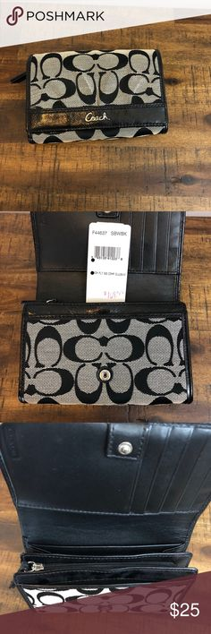 Coach soho pleated compact clutch F44637 - Excellent condition - used a few times Coach Bags