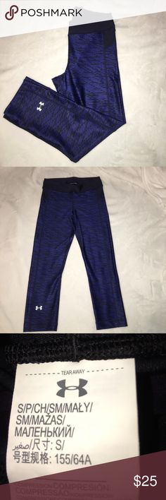 UNDER ARMOUR CROPPED PANTS Blue and black pattern cropped workout pants. Women's size small. Heat gear material. 87% Polyester 13% Elastane. Worn once. 🔴DISCLAIMER: the photos of the tag are from and identical pair just a different color🔴 haha whose with me that itchy tags are the worst when working out!!!!! 😂 Under Armour Pants Ankle & Cropped