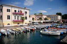 Yachtbar e Cristallo Bardolino Lake Garda, Sailing, Mansions, House Styles, Italy, Candle, Manor Houses, Villas, Mansion