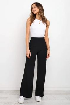 Black Trousers Outfit Casual, Wide Pants Outfit, Summer Pants Outfits, Black Dress Pants, Smart Casual Work Trousers, Flowy Pants, Loose Pants, Professional Outfits, Wide Leg Trousers