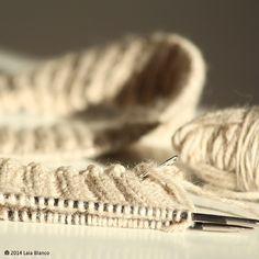 Starting my first knitted jumper  #laliwhite #laiablanco #laliwhitethemakery #diy #handmade #maker #punto #jersey #knitt #knitting #yarn #lana #wool #handmade #madebyhand #homemade #hechoamano #diy #miprimerjersey #ovillo #skein