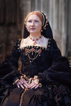 Heritage Festival 2011 by ~Beauty-Darkly on deviantART Incredible Tudor period reproduction! Mode Renaissance, Renaissance Costume, Medieval Costume, Renaissance Clothing, Renaissance Fashion, Medieval Dress, Tudor Costumes, Period Costumes, Elizabeth I