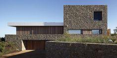 Beautiful material contrast & simple composition! - Buenos Mares Villa by RDR Arquitectos