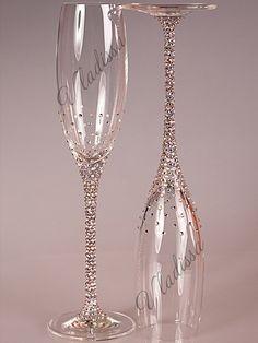 Diy Wine Glasses, Decorated Wine Glasses, Painted Wine Glasses, Wedding Toasting Glasses, Wedding Champagne Flutes, Champagne Glasses, Toasting Flutes, Wine Glass Crafts, Wine Bottle Crafts