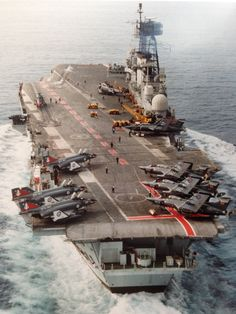 British Aircraft Carrier and Buccaneers on the flight deck Royal Navy Aircraft Carriers, Navy Carriers, Military Weapons, Military Aircraft, British Aircraft Carrier, Cruisers, Hms Ark Royal, Landing Craft, Naval History