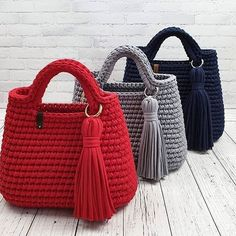 Best 12 40 Free Crochet Patterns And Ideas For Bags, Purses, And More - Diy & CraftBest 11 Shopper with leather bottom bag crochet – Page 655203445769763265 – SkillOfKing.ComFavorite Free and Easy Great Look Crochet Bag Patterns for 2019 - Page 2 Free Crochet Bag, Crochet Tote, Crochet Handbags, Crochet Purses, Crochet Stitches, Diy Crafts Knitting, Diy Crafts Crochet, Crochet Designs, Crochet Patterns