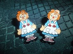 Vintage button earrings..Raggedy Ann