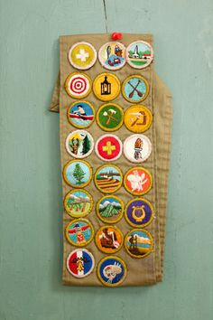 We love the simple beauty of the embroidered designs on these Girl Scout badges. Girl Scout Swap, Girl Scout Leader, Brownie Girl Scouts, Boy Scouts, Randolph Carter, Boy Scout Badges, Boy Scout Patches, Elephant Trunk, Girl Scout Crafts