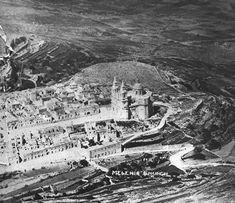 An old aerial view of Mellieha, Malta. Mellieha parish church at the centre. Malta Mellieha, Malta Valletta, Lisa, Malta Island, Maltese, Old Pictures, Aerial View, Paris Skyline, Centre