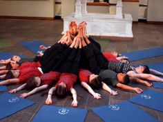 Yoga for Youth: Vishnu's OHMazing Journeys - Elizabeth Reese leads this award winning yoga class for kids aged 5-11
