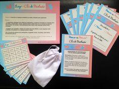 Kit de brincadeiras para chá de revelação do sexo do bebê. Este kit contém:    1. Bingo do Bebê - Revelação: o tradicional jogo de bingo com cartelas personalizadas com itens relacionados ao chá de revelação do bebê. Este jogo pode ser personalizado com os possíveis nomes do bebê e outras solicit...