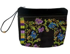 small purse, comes in different patterns