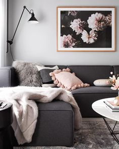 Your furniture should have multiple purposes. We found five of the most versatile furniture pieces out there, and explained why they're worth it. Living Pequeños, Boho Living Room, Living Room Grey, Living Room Sofa, Apartment Living, Living Room Furniture, Wooden Furniture, Couch Furniture, Small Living