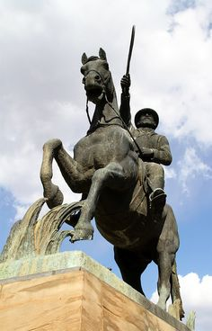 Statue of General Christiaan de Wet, Bloemfontein Stone Sculptures, Lion Sculpture, African History, African Beauty, Military History, My Images, South Africa, War Memorials, Old Things