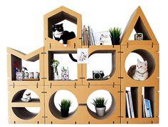 Here's a new line of modern cardboard cat furniture from Thailand. Kafbo offers a nice variety of eco-friendly cardboard scratchers, climbers and lounges that would look great in any home. There are two collections, the Home series and the 9Lifers collection. The Home series includes eight modular pieces that can be configured to create any size climbing wall.…